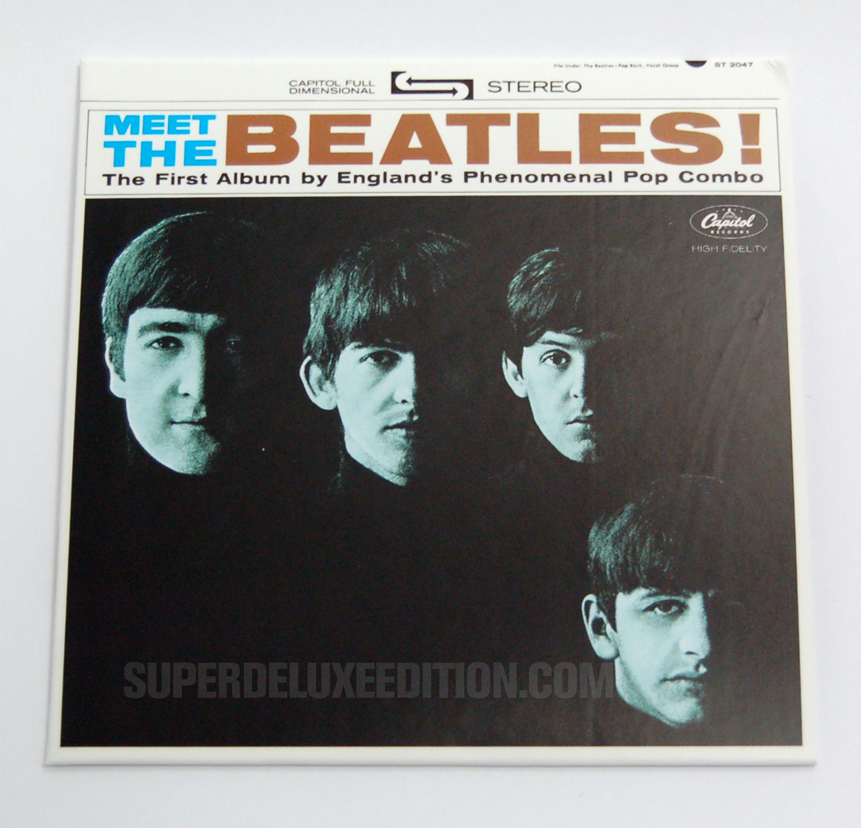 FIRST PICTURES: The Beatles / US Albums: Meet The Beatles!