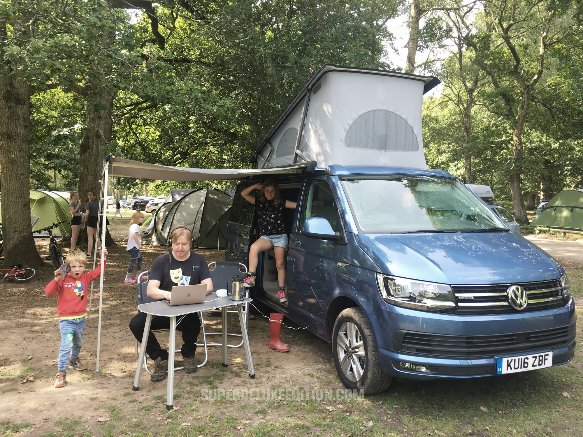 Hotel California: SDE goes camping in the forest with a VW California