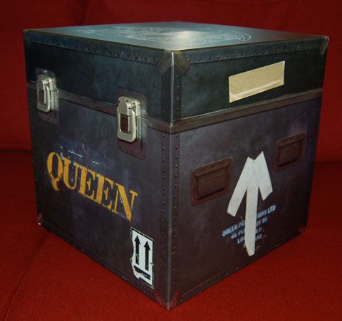 Queen / Live At Wembley Stadium Super Deluxe Gift Box