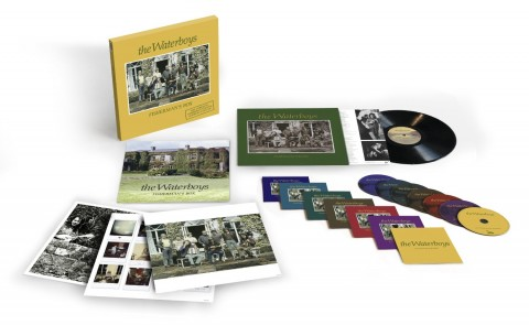 "The Waterboys / ""Fisherman's Box"" photo and bonus disc details"