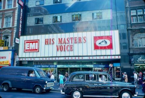 Oxford-Street-HMV-1976-KH