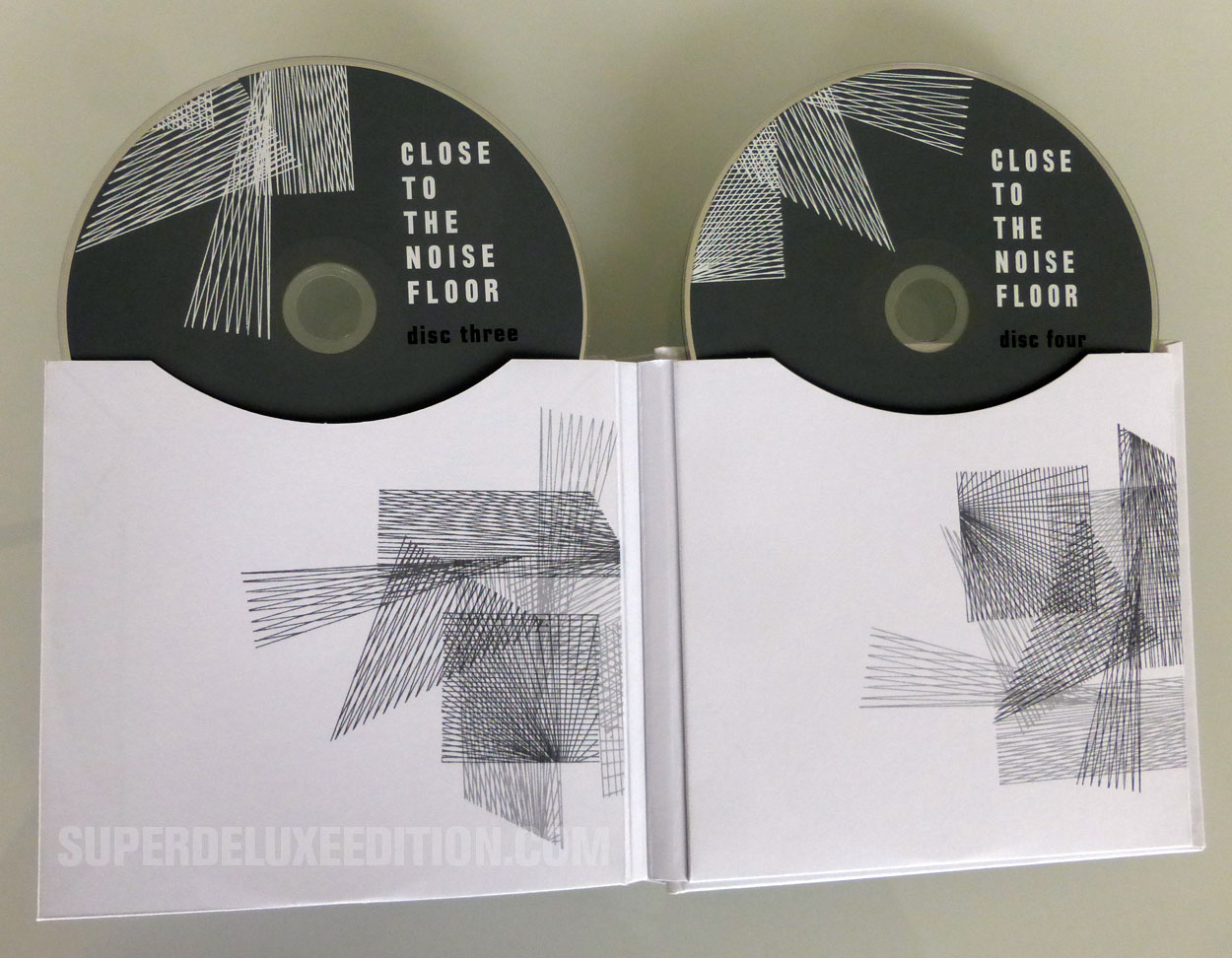 Close to the Noise Floor - Formative UK Electronica 1975-1984
