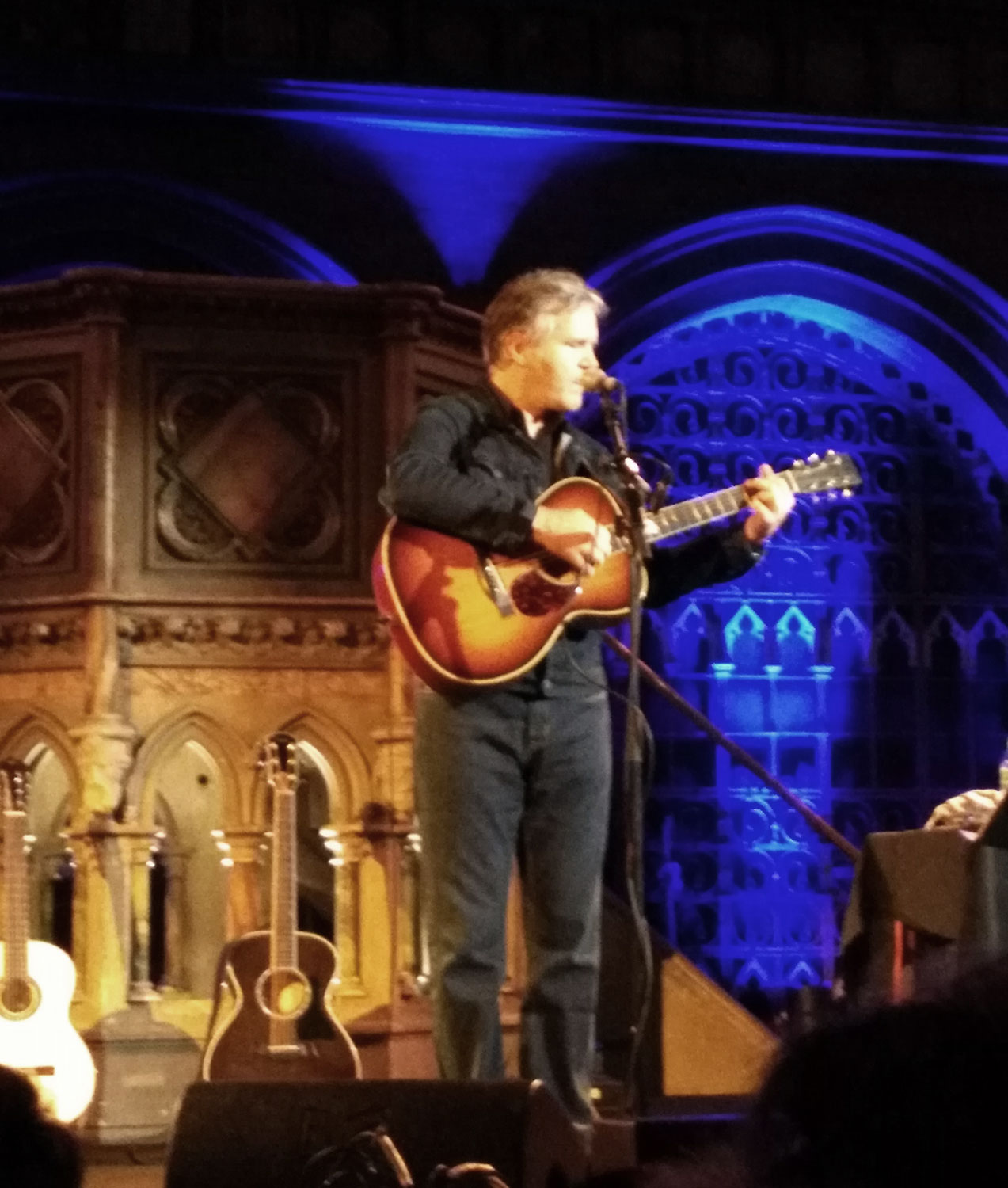 Lloyd Cole performing at London's Union Chapel
